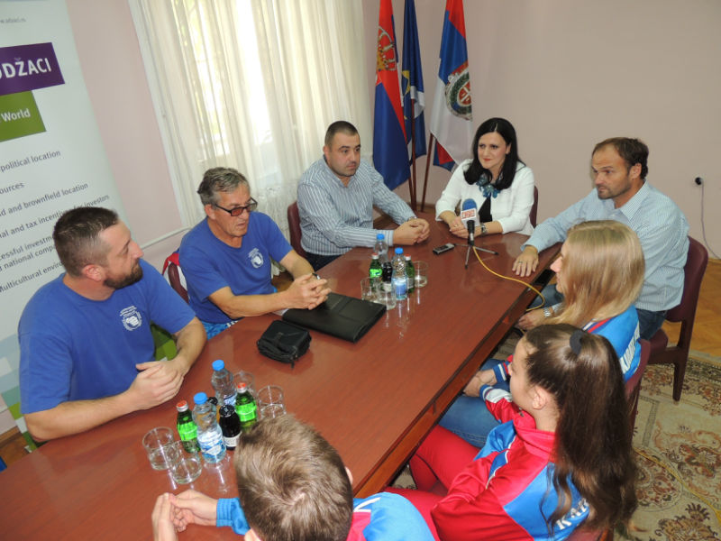 Пријем за каратисте Младости и њихове тренере у згради општине