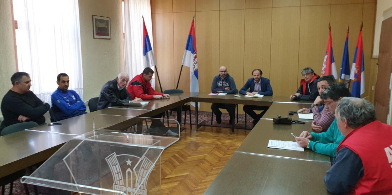 У сали Општинског већа одржан састанак са представницима фудбалских клубова
