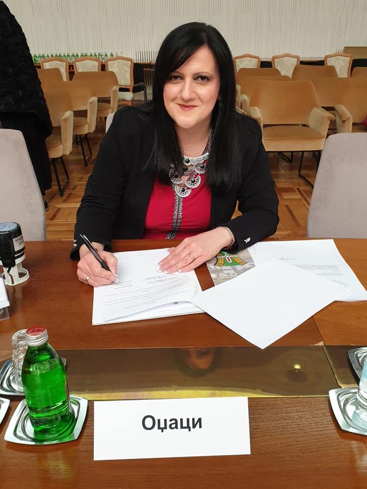 Председница општине Оџаци потписала уговор о суфинансирању мера популационе политике за 2019. годину
