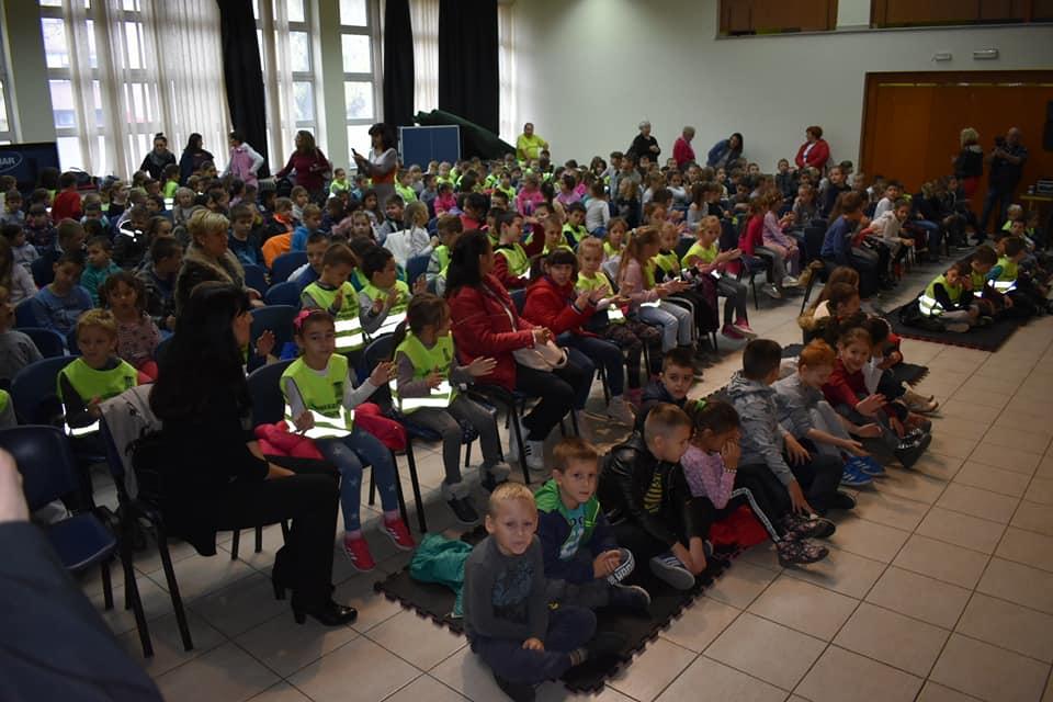 Одржан саобраћајно - едукативни час за ђаке прваке