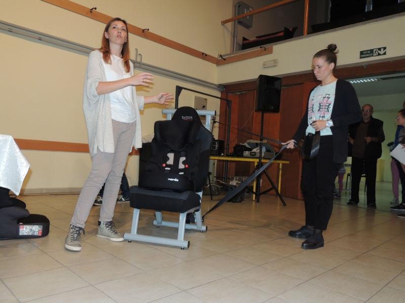 Одржана обука за правилну употребу и подела бесплатних ауто-седишта за децу