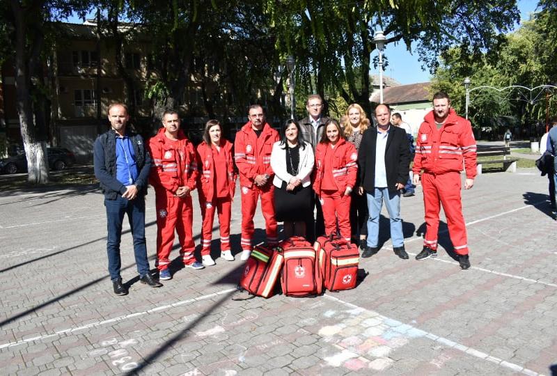 Уручени кључеви аутомобила Црвеном крсту Оџаци и подељене униформе за службе у општини Оџаци