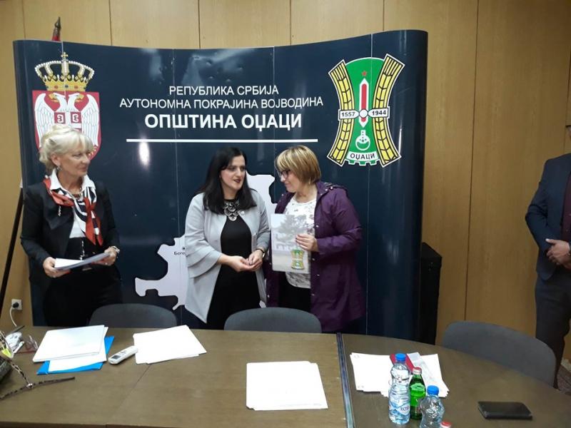 Представници локалне самоуправе и НСЗ Сомбор уручили Уговоре корисницима субвенција за запошљавање незапослених лица