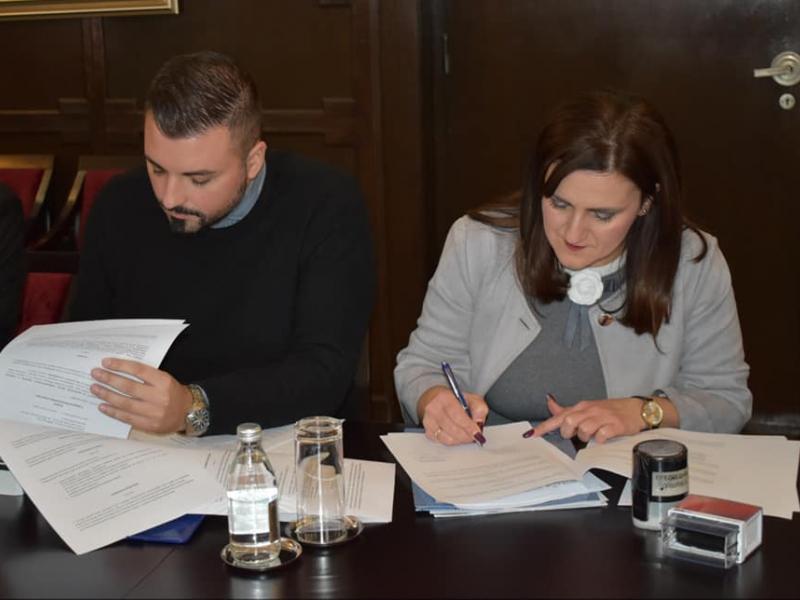 Уручени уговори за израду планских докумената јавне и развојне политике